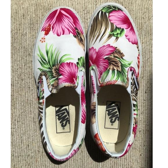 ca3e874154 Vans Shoes - Women s size 7 slip on Hawaiian print vans
